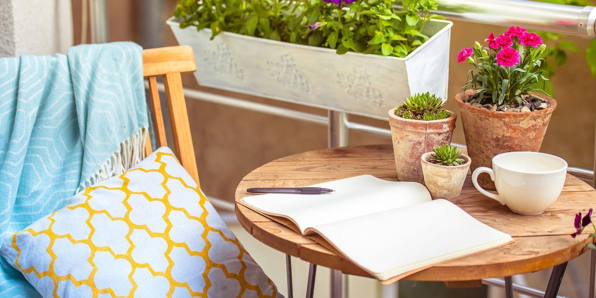 Table Pour Balcon Étroit 5 idées pour que votre balcon devienne votre lieu de