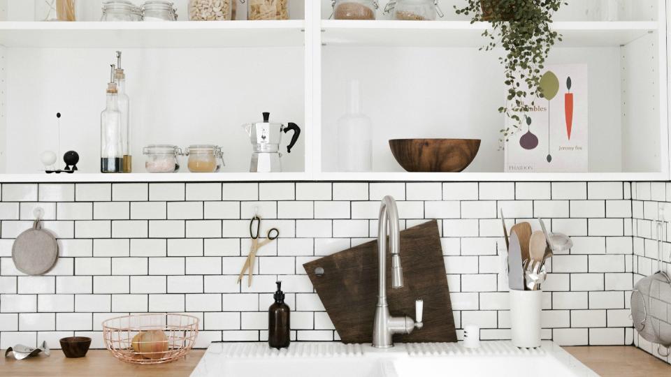 3 einfache Ideen, um Fliesen in Bad oder Küche neu zu ...