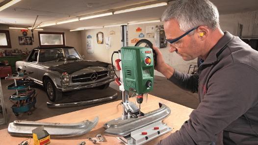 Unser qualifiziertes Fachpersonal repariert defekte Geräte im Bosch-Servicezentrum